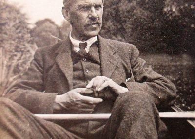 Percy H Currey